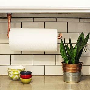 نگهدارنده دستمال کاغذی یک وسیله کاربردی برای نظم دادن به آشپزخانه